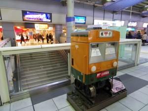 品川駅の電車ポスト2